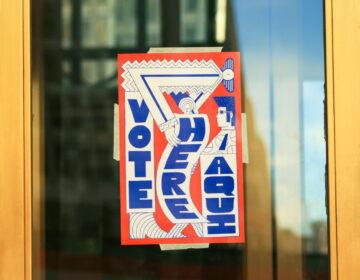 A sign outside a polling location in Philadelphia in 2016 (Dan Levy/Billy Penn)