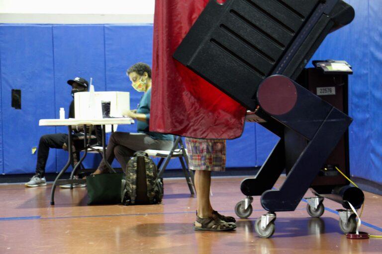 New Jersey voter casts ballot