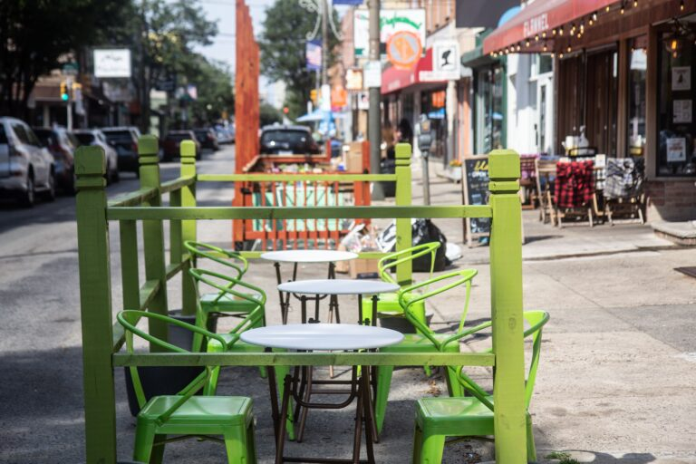 Outdoor dining at P'unk Burger and Flannel on East Passyunk Avenue. (Kimberly Paynter/WHYY)