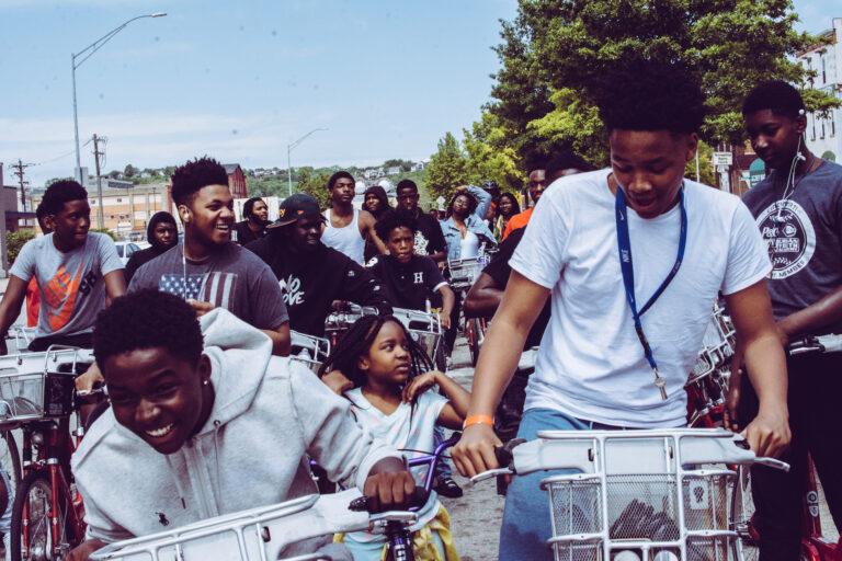 Kids on bicycles in Cincinnati. (Ahshea1 Media/Pexels)