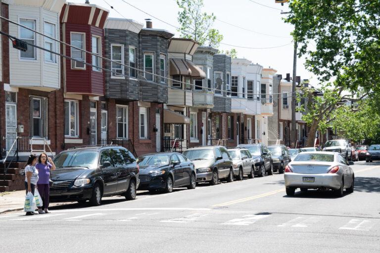 Row homes in the Hunting Park neighborhood of Philadelphia. (Erin Blewett/Kensington Voice)