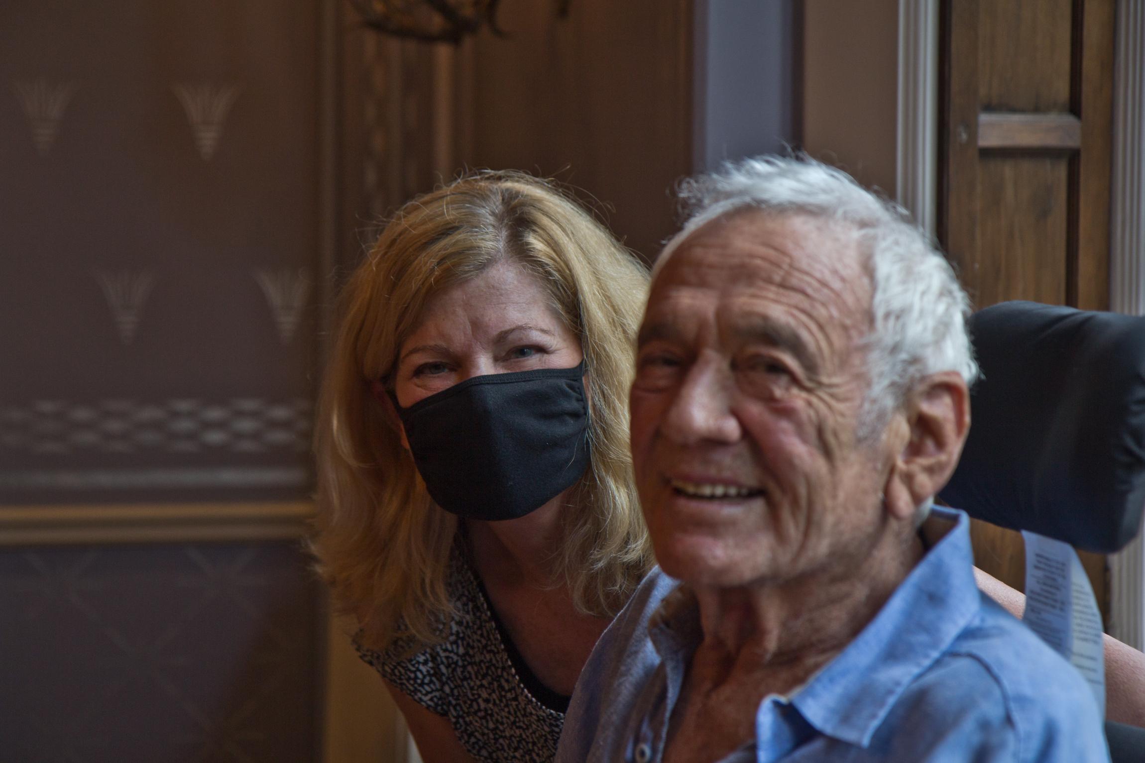 Avram Woidislawsky's doctor Vicki Bralow visits him at home