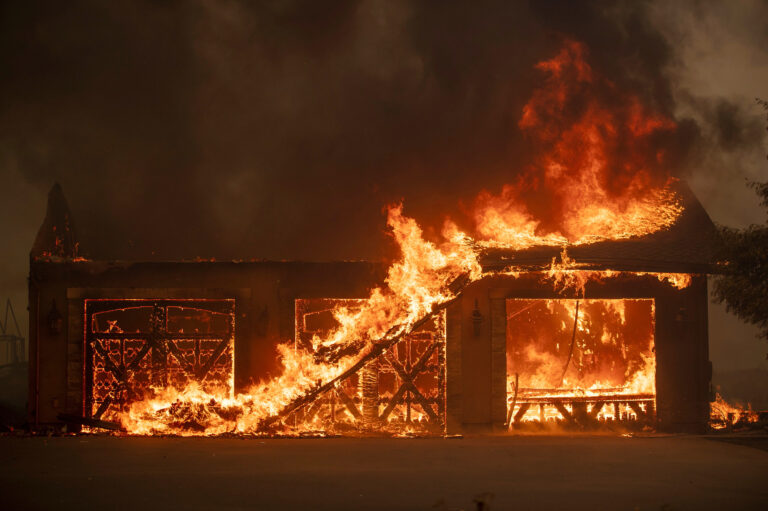 The five largest fires in California history have occurred since 2003, a sign that climate change is making extreme wildfires more frequent. (Josh Edelson/AFP via Getty Images)