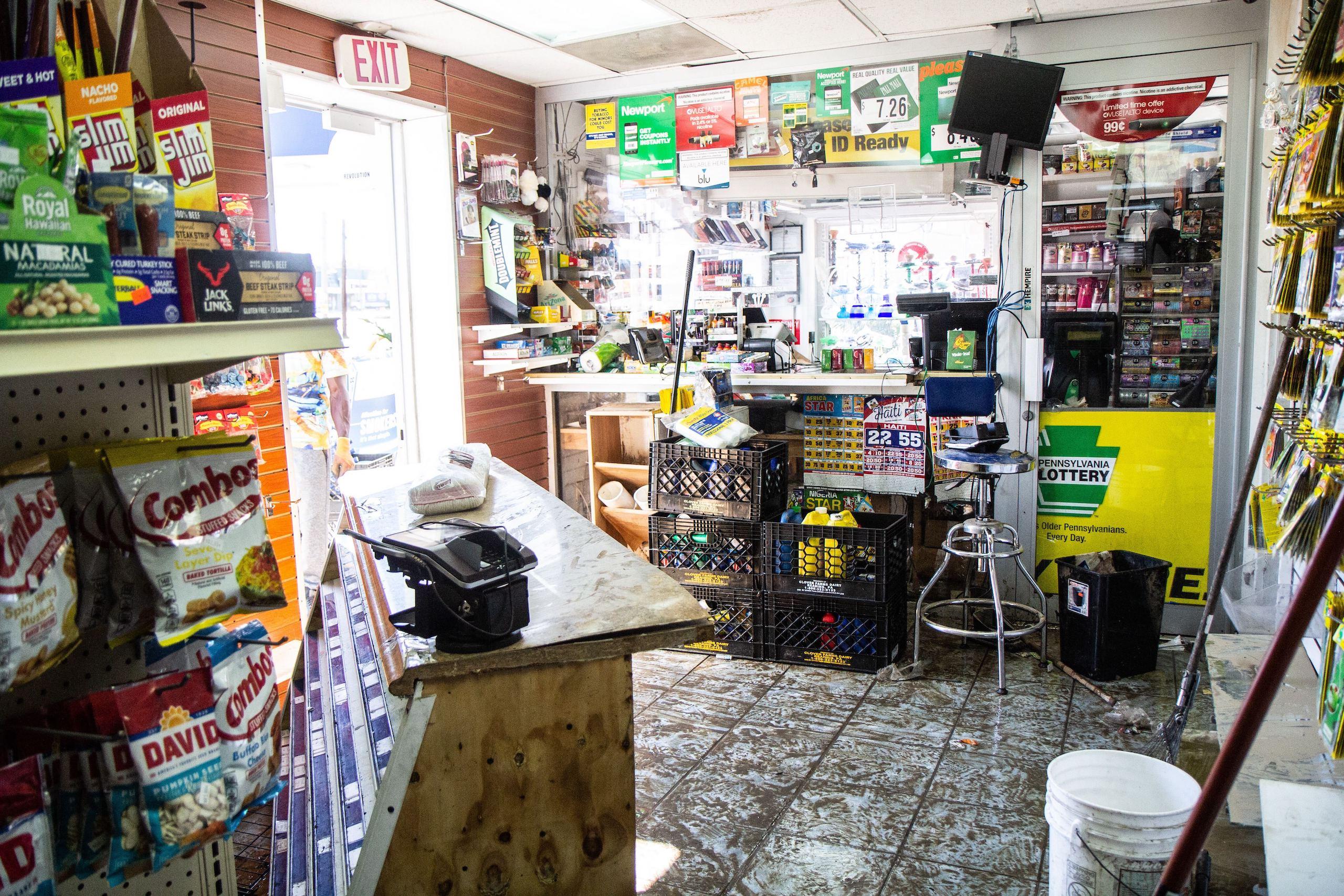 69th Street Car Wash and Smoke Shop