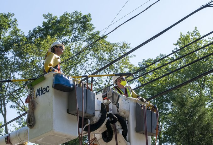 Crews work to restore power in Jackson, N.J.