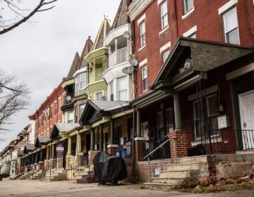 Homes across from Fairmount Park at 33rd and Clifford streets. (Kimberly Paynter/WHYY)