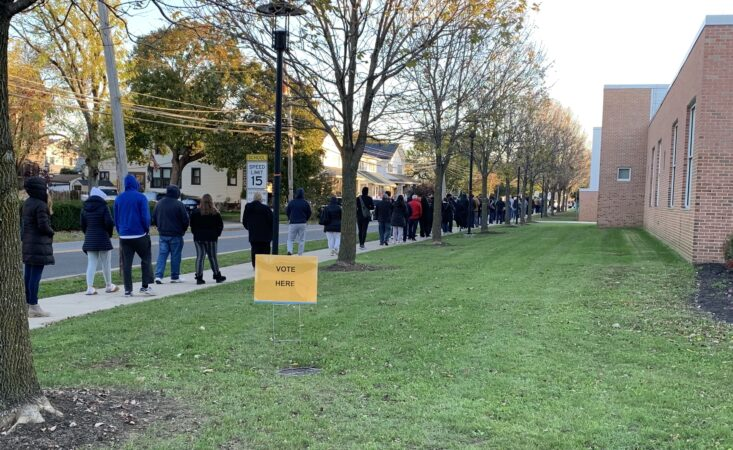 7am voters in Havertown at the Manoa School voting poll. (Paul Parmelee/WHYY)