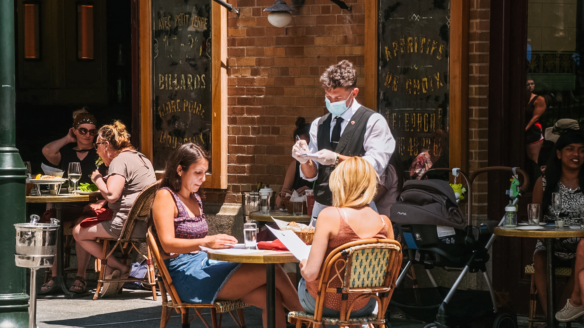 Outdoor dining at a restaurant in Philadelphia during the Coronavirus pandemic
