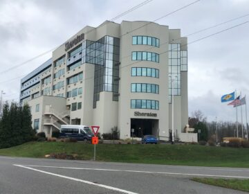 The Sheraton along Interstate 95 south of Wilmington has been sold to serve people experiencing homeless. (Cris Barrish/WHYY)