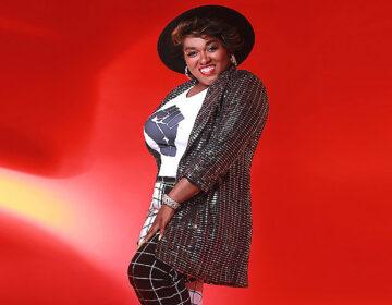 Singer D'Vina Cheri