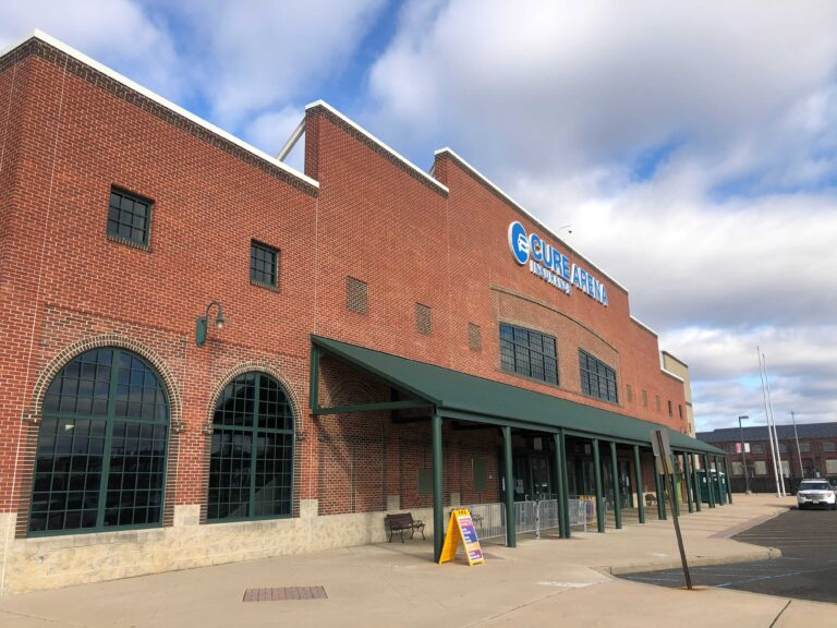 Cure Insurance Arena in Trenton hosted a pop-up COVID-19 testing site on Dec. 8, 2020. (P. Kenneth Burns/WHYY)