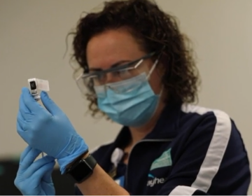 An employee Bayhealth Hospital in Dover gives a coronavirus vaccination. (Bayhealth Hospital)
