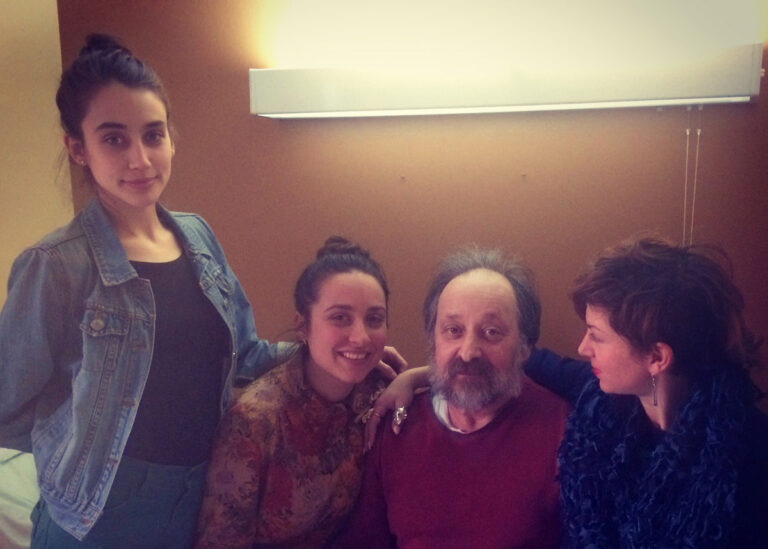 Esther Honig (left) with her sisters and father, Jordan Honig. Jordan was diagnosed with early onset Alzheimer's when he was 59. (Courtesy of Esther Honig)