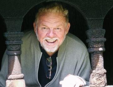 House Concert series musician Lenny Smith
