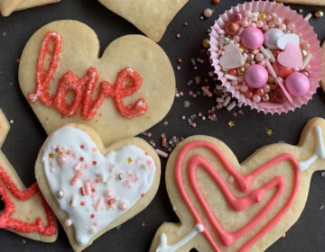 Get a cookie-decorating kit from Lil Pop ShopLIL POP SHOP