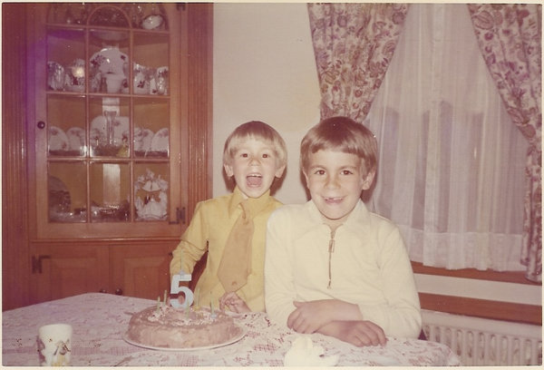Danny Volce (left) on his fifth birthday with brother Jay Volce, in 1973