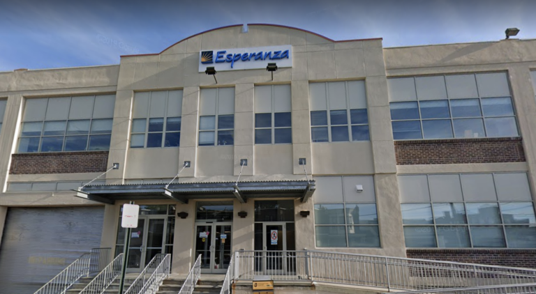 A proposed FEMA vaccination site would take up a 400,000-square-foot space on Esperanza's Hunting Park social services campus. (Google Maps)