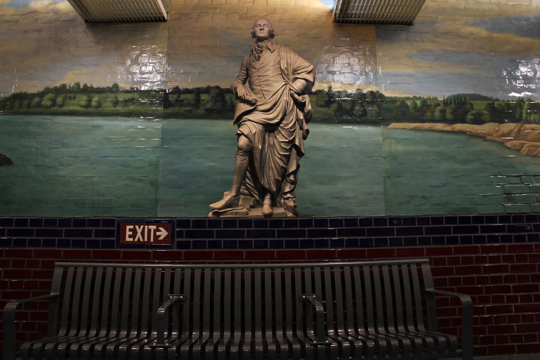 A mural by Tom Judd at the 5th Street/Independence Hall SEPTA Station. (Emma Lee/WHYY)