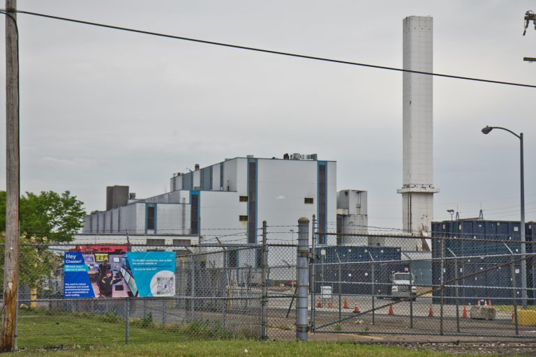The Covanta incinerator, a waste-to-energy facility that burns trash from Delaware County, Philadelphia, New York City, in Chester, Pa. (Kimberly Paynter/WHYY)