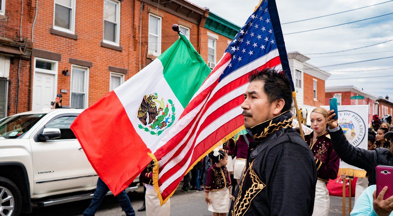 David Piña, dressed as a general at a previous Philadelphia carnaval celebration. | David Piña, vestido de general en una celebración anterior del carnaval de Filadelfia. (Photo courtesy of Edgar Ramirez)