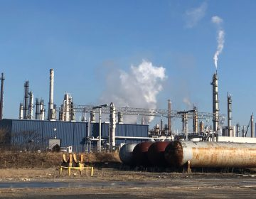 The Delaware City Refinery in New Castle, Del. A new report on air pollution from the Lung Association focuses on the four-state, 16-county Philadelphia-Reading-Camden-PA-NJ-DE-MD metro area. (Cris Barrish/WHYY)