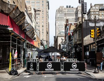 The 1500 block of Sansom Street in Center City Philadelphia is closed for outdoor dining. (Kimberly Paynter/WHYY)