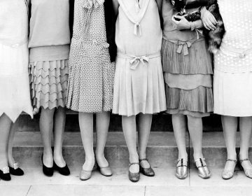 Young people today are getting ready to make the most of their youth by partying like these young women did back in the 1920s. (Kirn Vintage Stock/Getty Images)