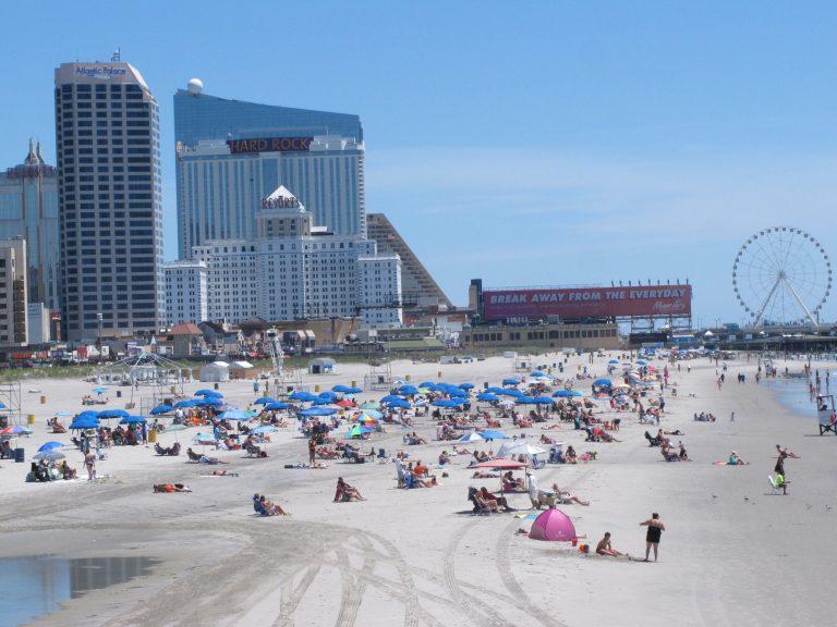 Beachgoers on the sand in Atlantic City