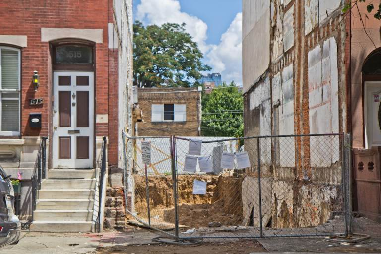 1515 and 1513 Christian Street in South Philadelphia. (Kimberly Paynter/WHYY)