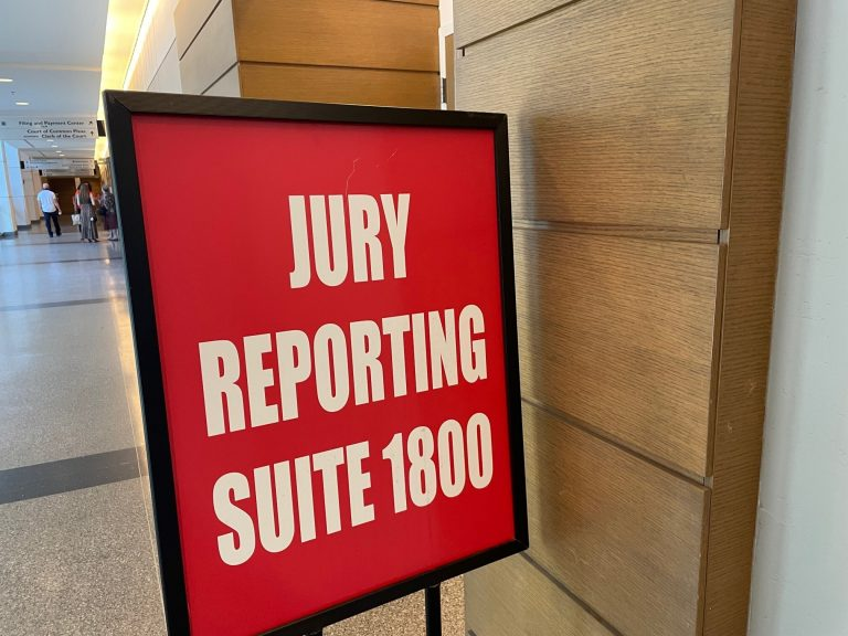 Jurors are sitting in judgment in Delaware again. (Cris Barrish/WHYY)
