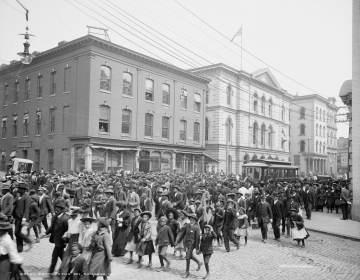 Emancipation Day celebration in Richmond, Va., 1905. (Library of Congress)