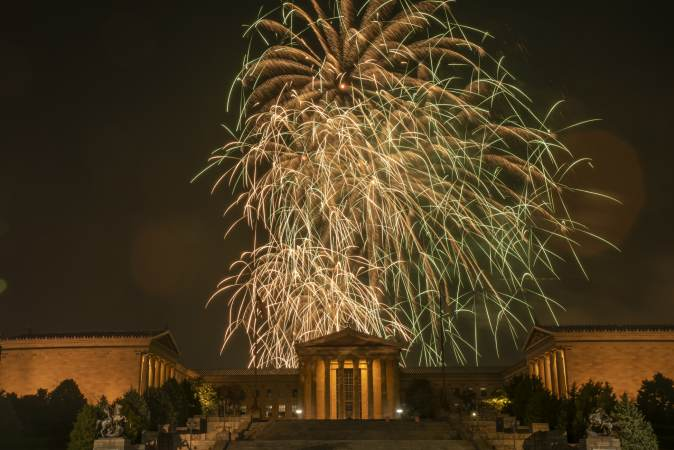 The Fourth of July fireworks display reaches its finale at the Philadelphia Museum of Art. (Jonathan Wilson for WHYY)