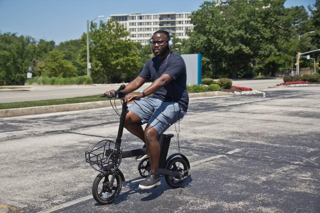 Darryl C. Murphy test-rides one of Verve S' pedal bike prototypes