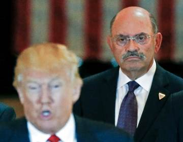 Allen Weisselberg, the Trump Organization's longtime chief financial officer, looks on as then-U.S. Republican presidential candidate Donald Trump speaks during a 2016 news conference at Trump Tower in New York City. (Carlo Allegri/Reuters)