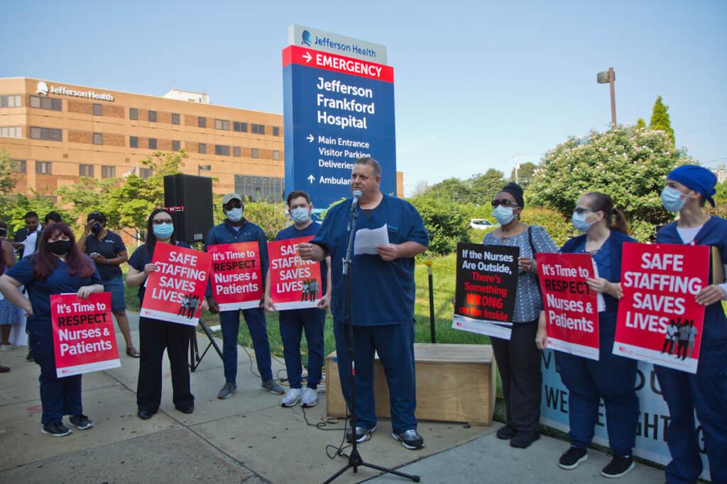 Nurses rally outside Jefferson Hospital