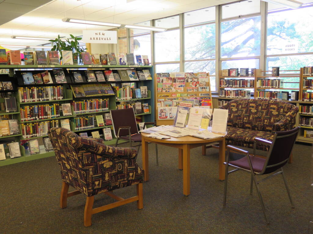 Reading area of the East Cheltenham Library