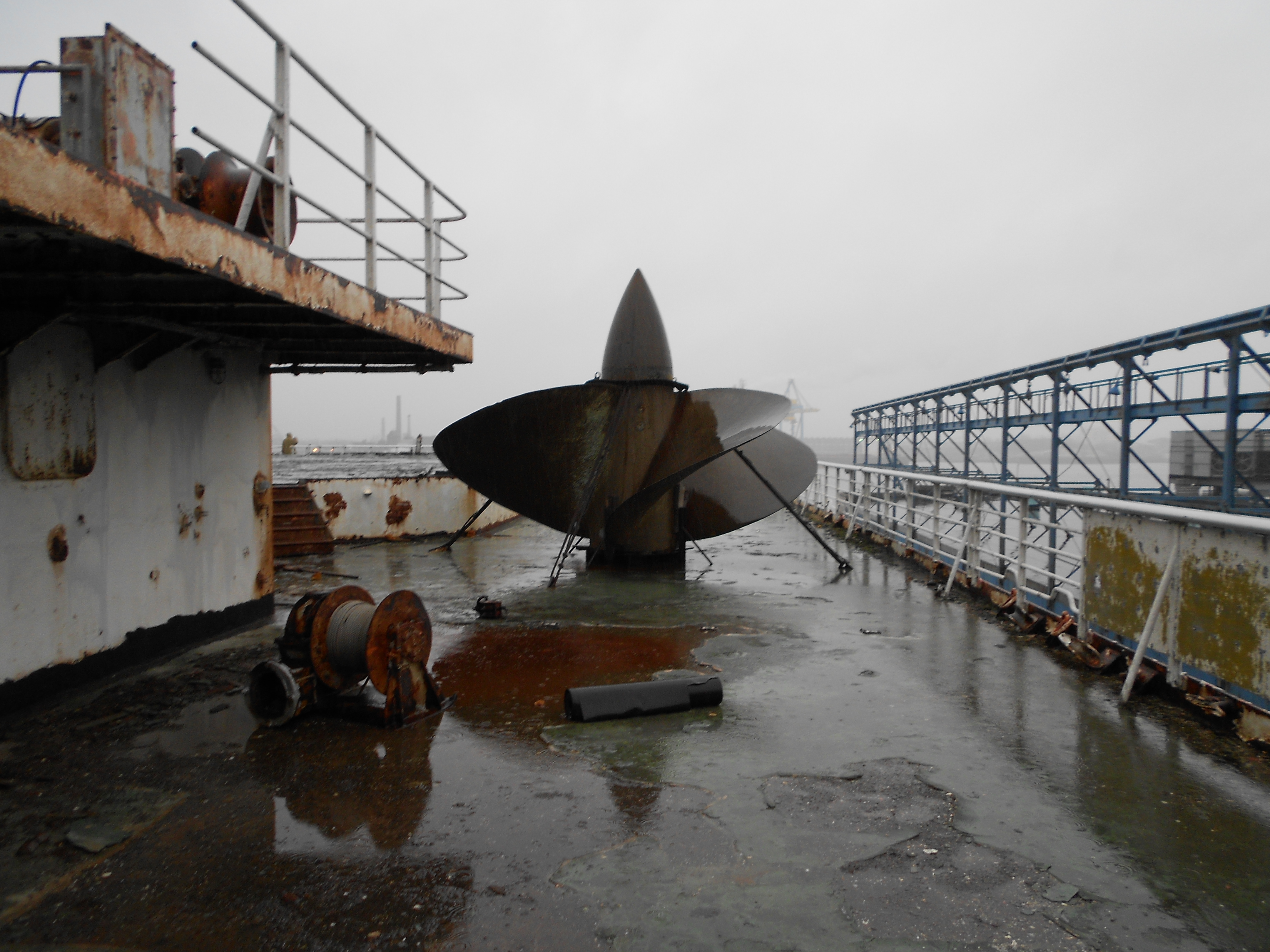 The ship had four bronze alloy propellers. Copyright photo: Steven B. Ujifusa
