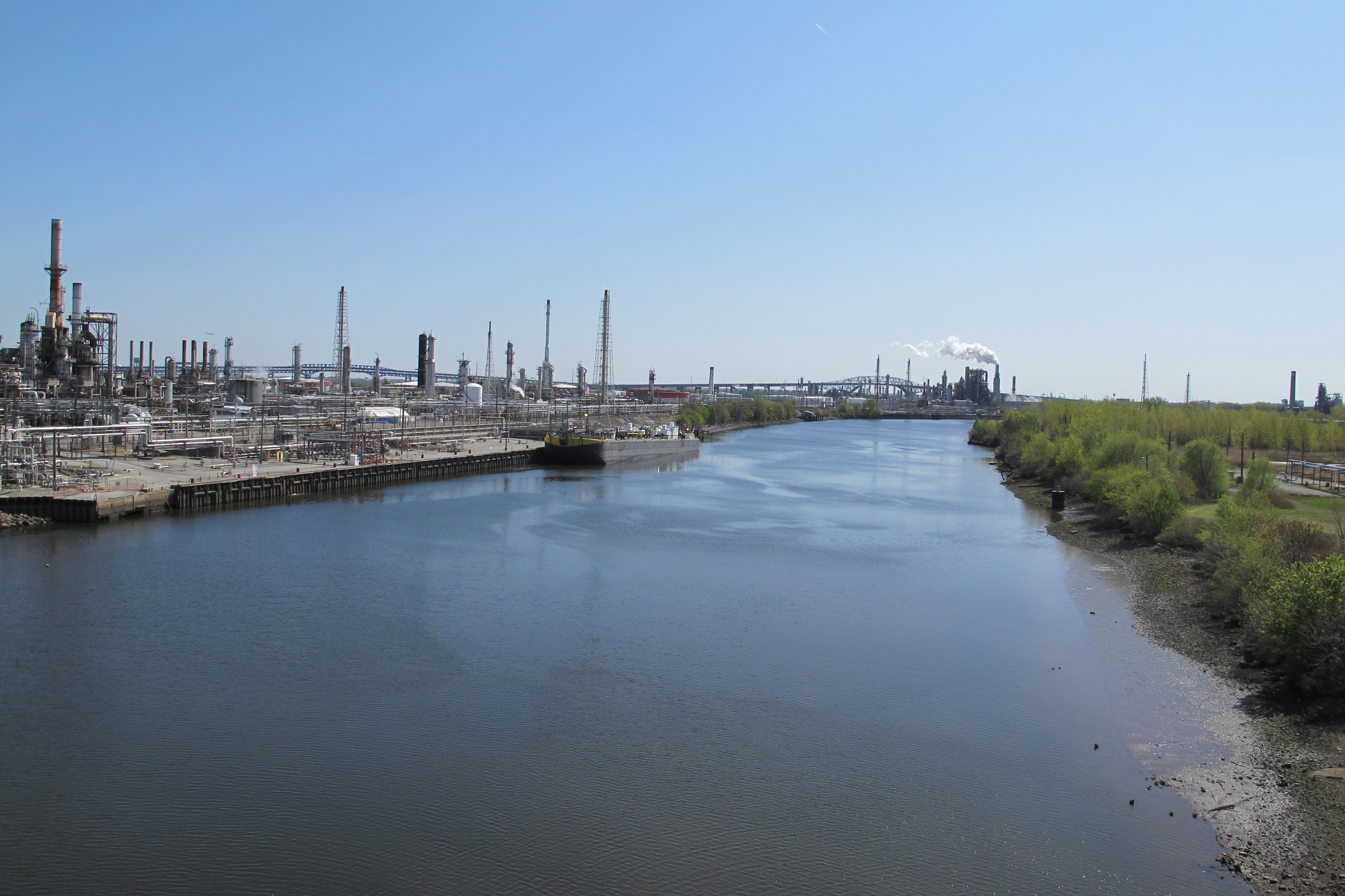 South along the Schuylkill: Part of Sunoco's Philadelphia refinery as seen from the Passyunk Avenue Bridge.