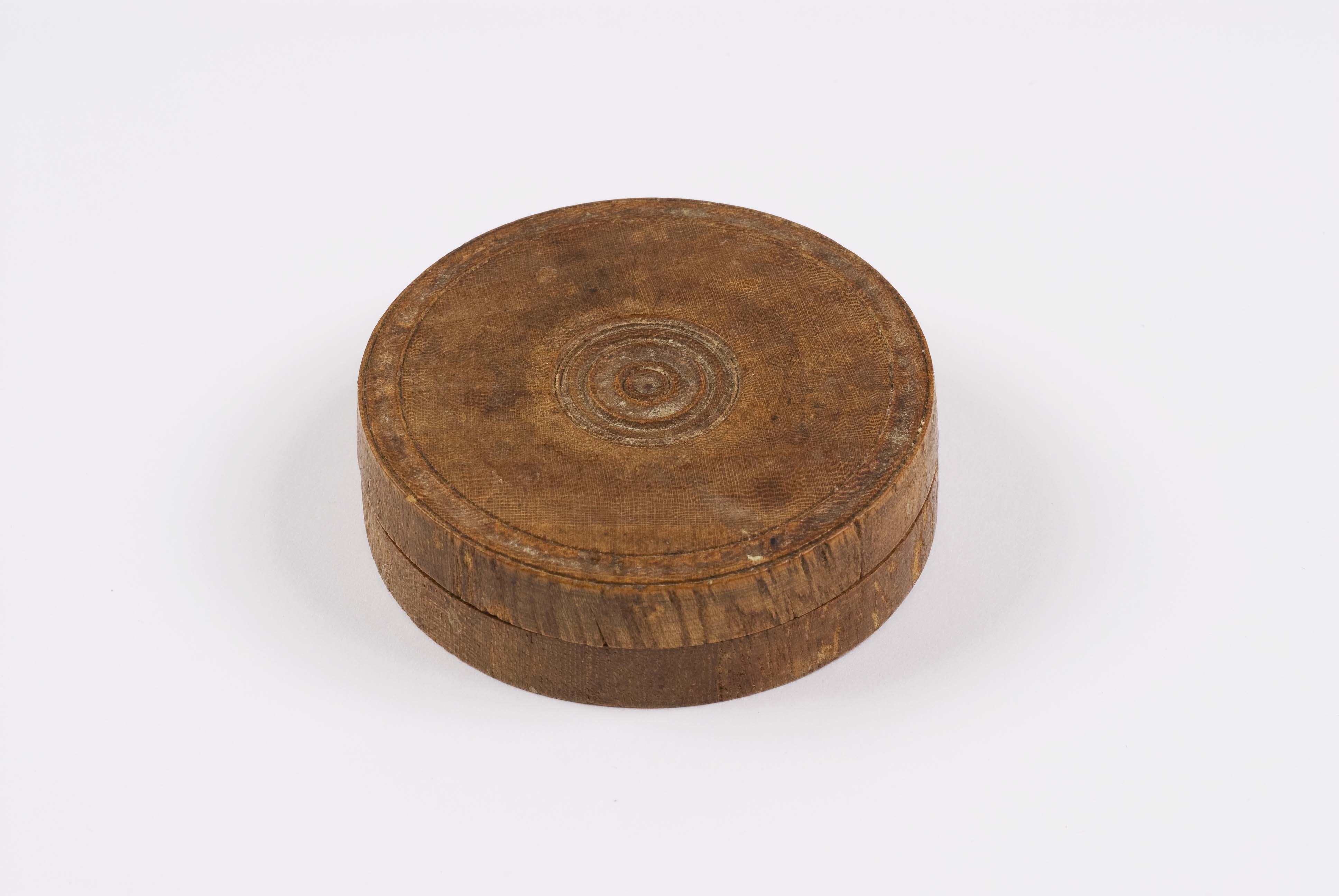 Box made from the wood of the Great Elm, witness to the Treaty of Friendship between Tamenend and Penn