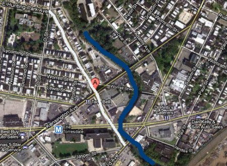 Everything to the right of the blue line, The Frankford Creek, is Northeast Philadelphia. The white line to the left is Hunting Park Avenue. So why does the Daily News say the street is in Frankford?
