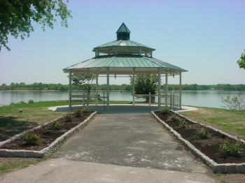 http-neastphilly-com-wp-content-uploads-2012-08-gazebo-350x262-jpeg