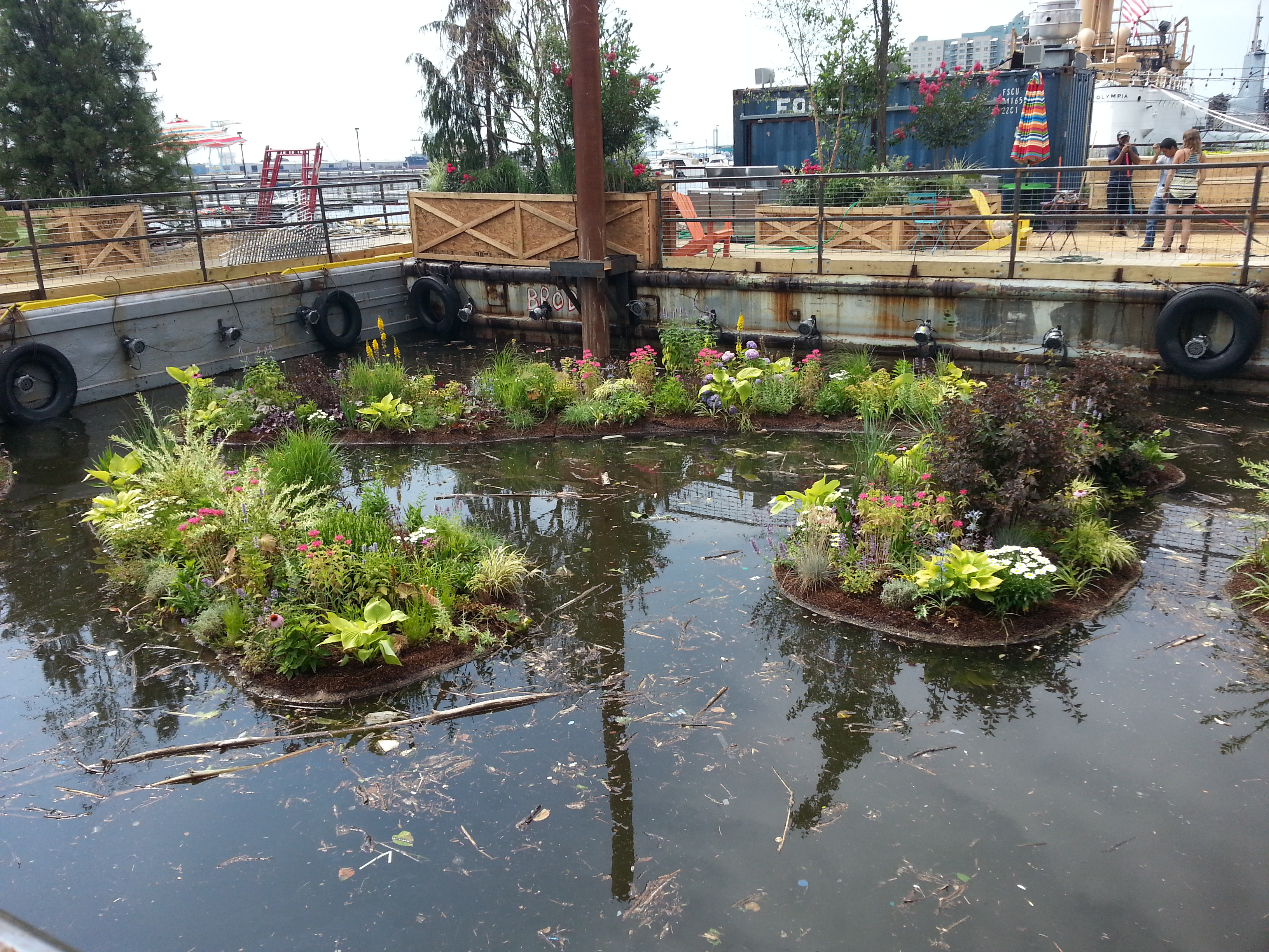 The floating gardens at Spruce Street Harbor Park