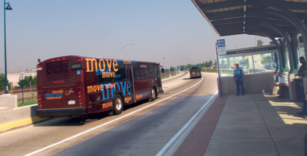 Pittsburgh's East Busway serves 15 bus routes and more than 25,000 riders daily. Photo: ITDP