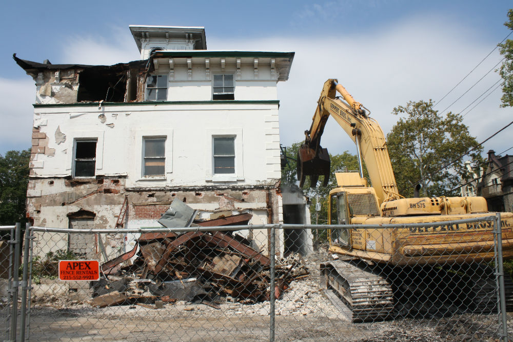40th and Pine demolition