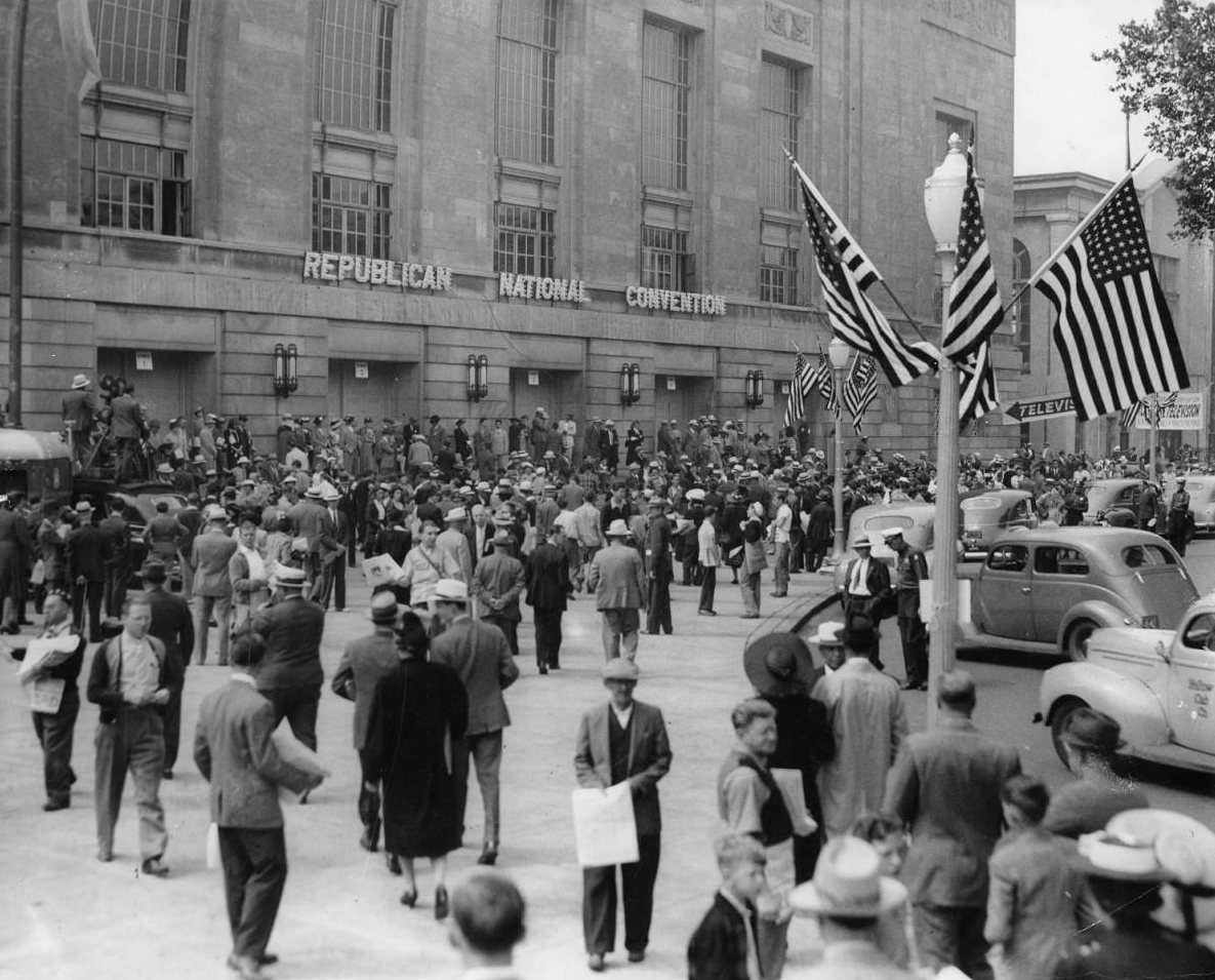 Crowd outside the Republican National Convention in Philadelphia, 1940. | Evening Bulletin | Special Collections Research Center, Temple University Libraries, Philadelphia, PA