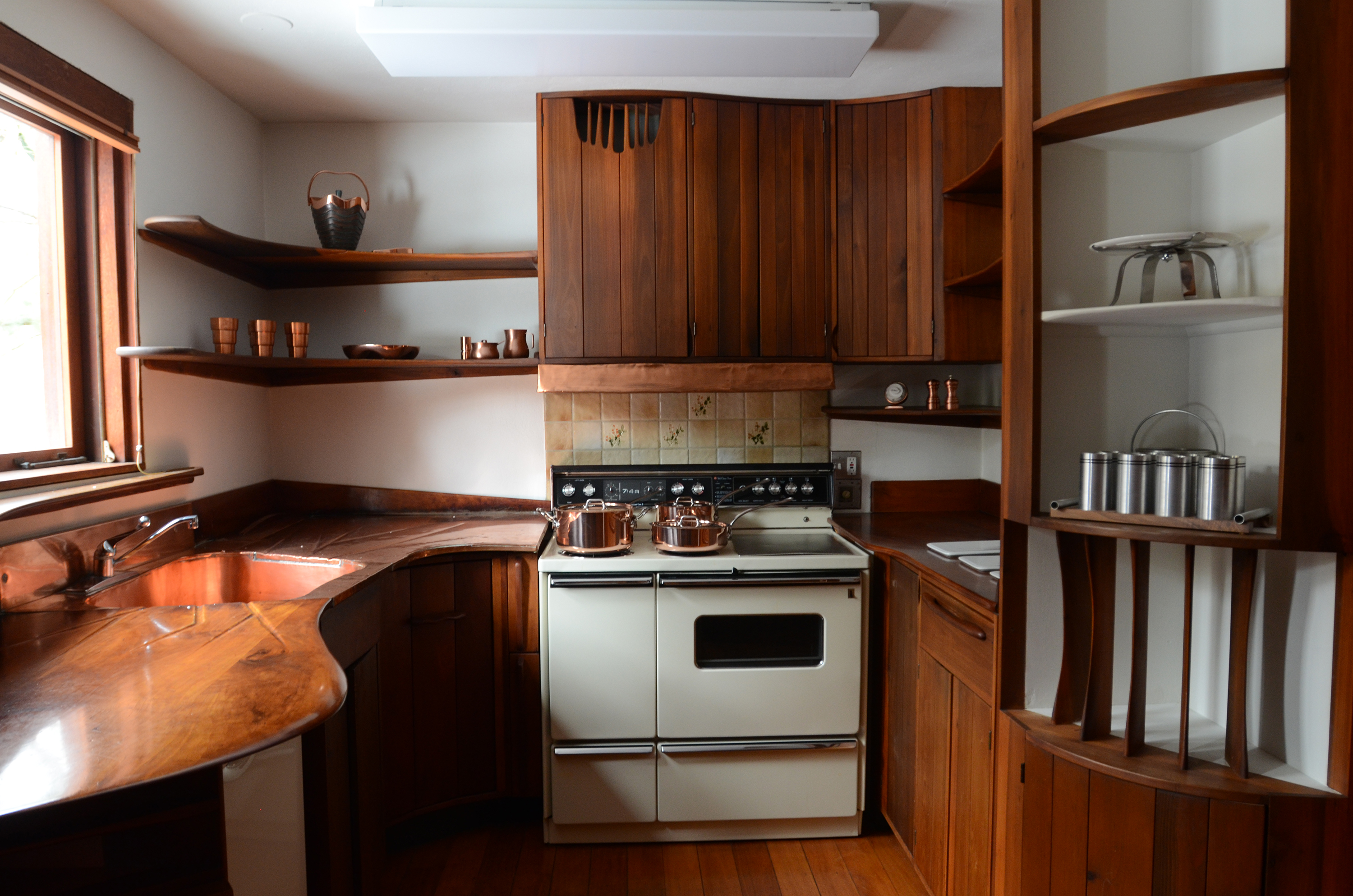 Esherick House kitchen, before renovation | courtesy of owner