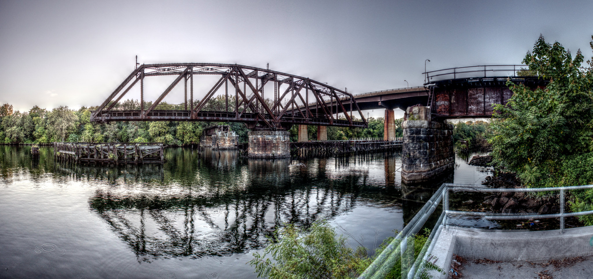 Grays Ferry Swing Bridge | (c) Bob Bruhin, EOTS Flickr Group