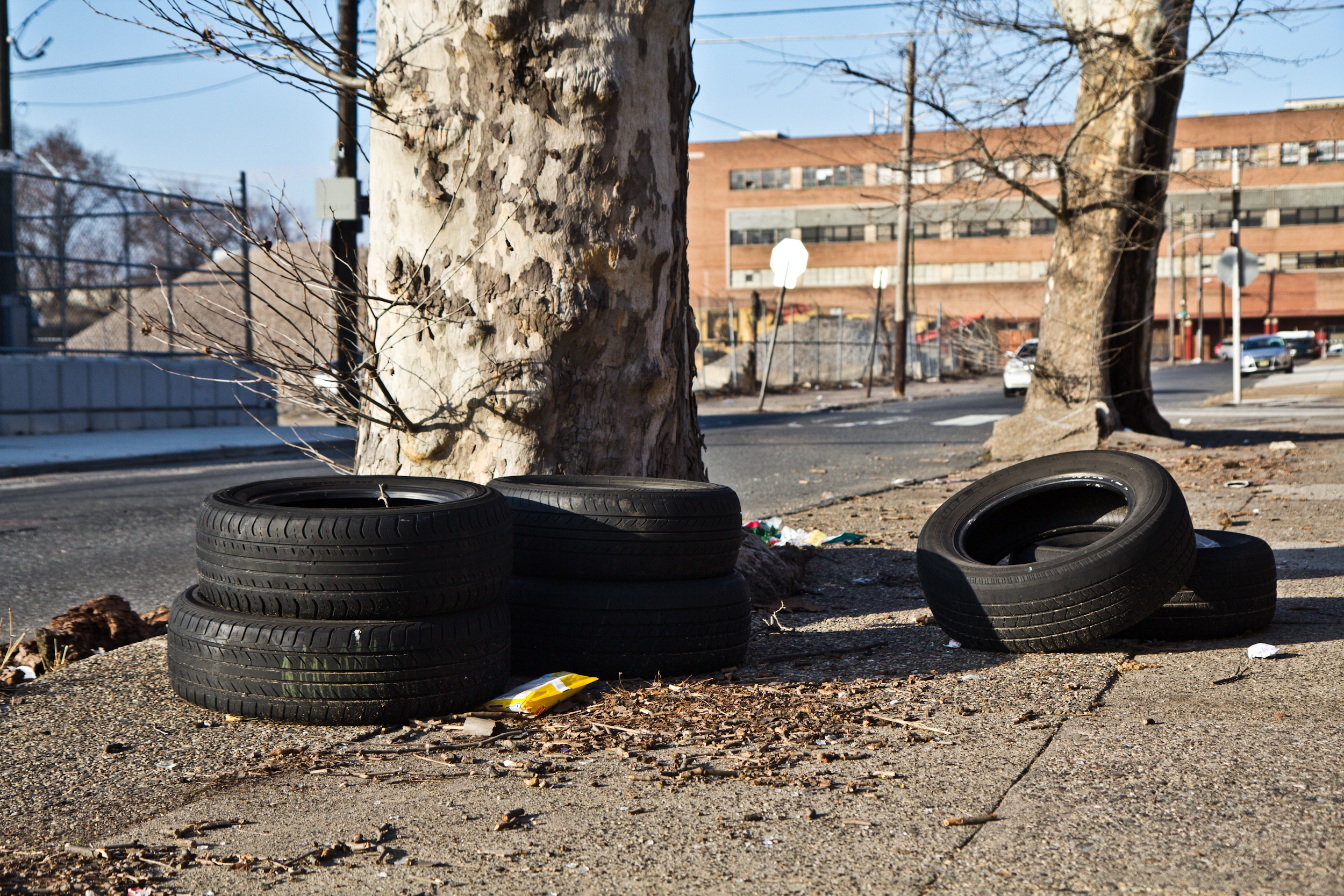 "Ontario and C streets is rated a ""3"" on Philadelphia's Litter Index. (Kimberly Paynter/WHYY)"