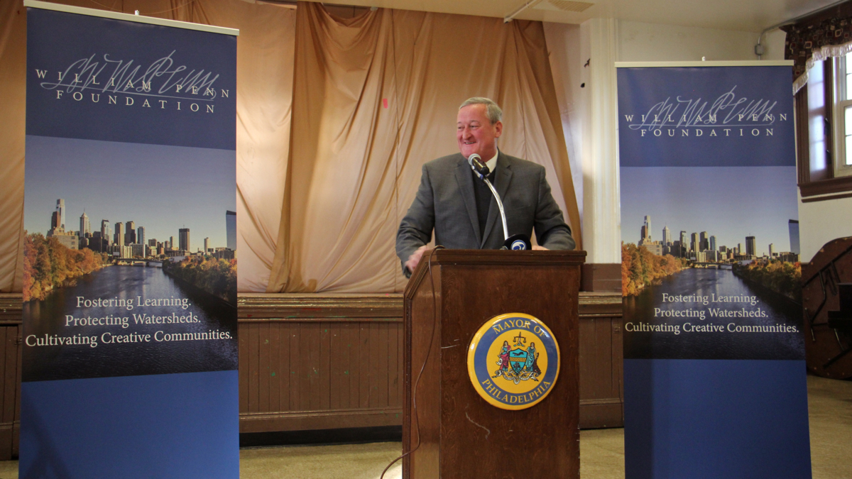 Philadelphia Mayor Jim Kenney welcomes news that the William Penn Foundation will commit up to $100 million to his Rebuild initiative, November 2016. (Emma Lee/WHYY)