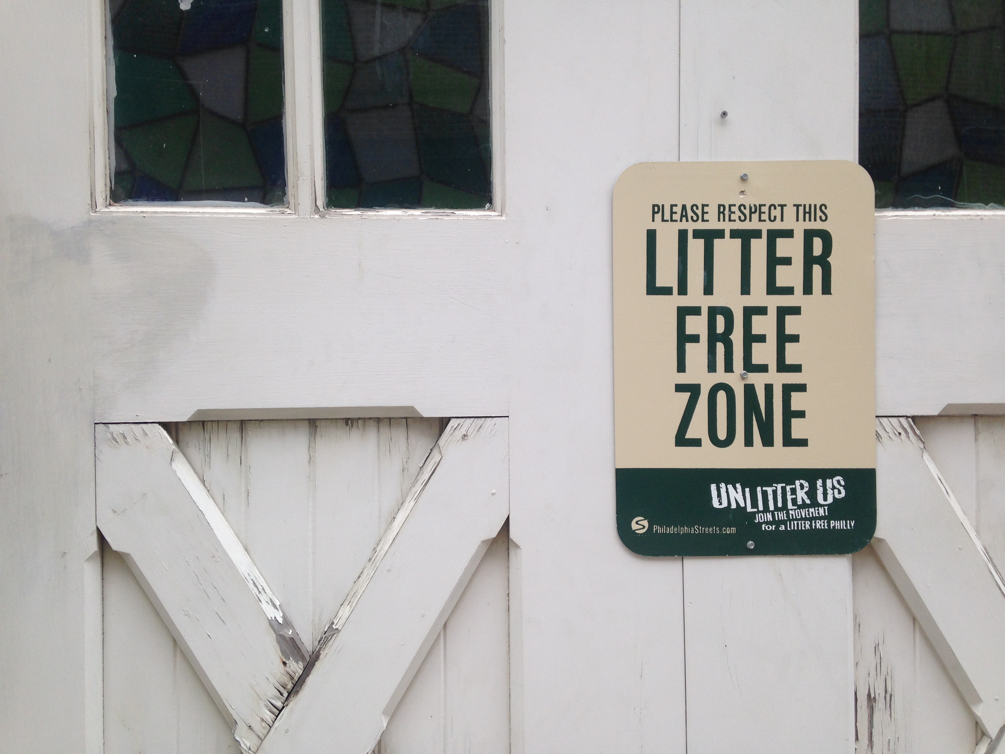 Please respect this litter free zone. | Ashley Hahn / PlanPhilly